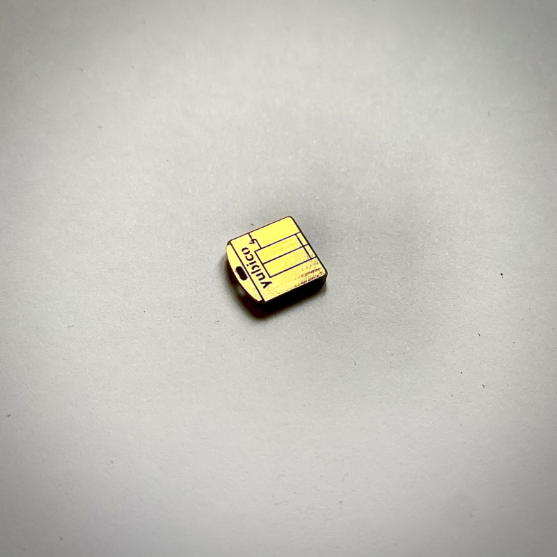 Picture of a single yubikey nano which fights completely in a USB-A port